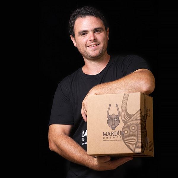 https://www.birrificiomarduk.com/wp-content/uploads/2020/05/20_Giuseppe_Marduk_brewery_birrificio_agricolo_guarda_oltre_birre_Irgoli_Sardegna.jpg